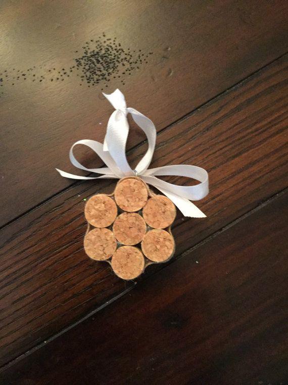 Sneeuwvlok Kerst ornamenten van Upcycled kurken door LiteraryCork