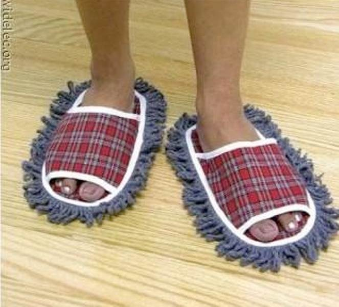 Cleaning the floor while walking.    #crazy inventions #marketing #expand your brand #social media @thinkeyb @Jimmy Clarke @Lara Yasin
