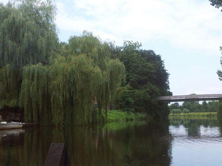 """""""hoge brug"""" wandel en fietsbrug over de oude ijssel verbindt Ulft met Silvolde.. Oorspronkelijke brug was veel hoger..."""