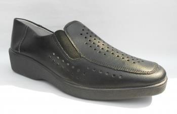 Туфли черные с перфорацией повседневные