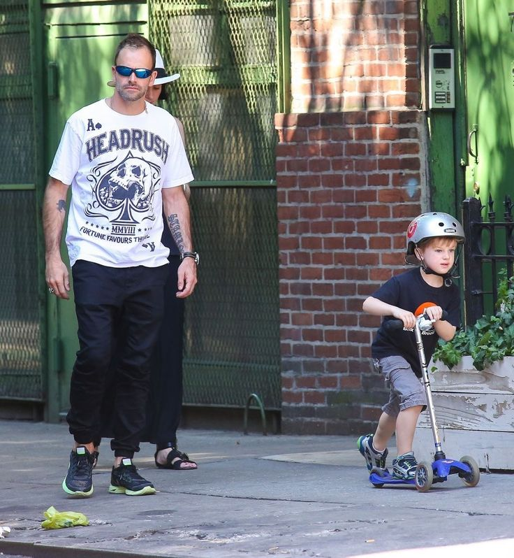 Jonny Lee Miller Buster Miller Photos: Jonny Lee Miller Spends the Day with His Family