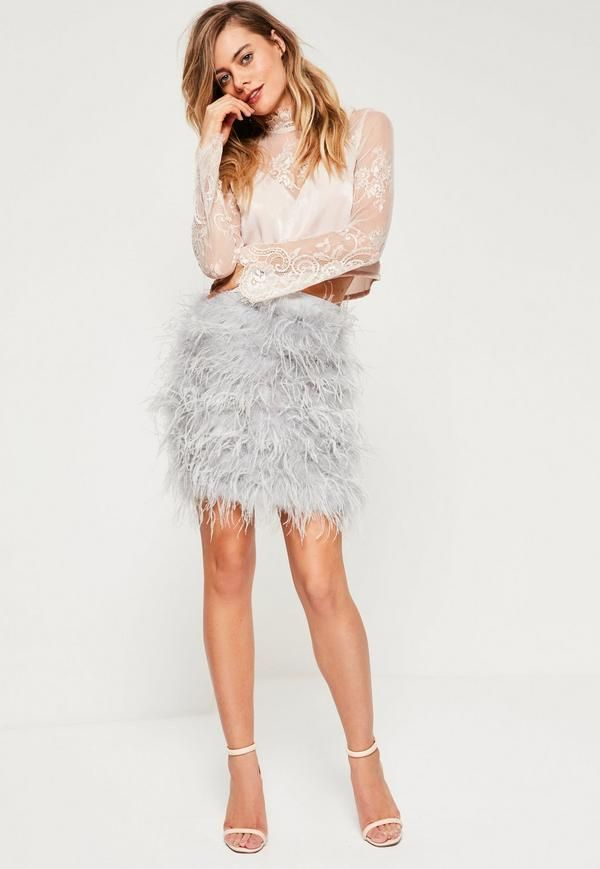 make an entrance this party season and turn heads in this fierce feather skirt! in a mini length and all over feather embellishment, you need this in your life for sure.