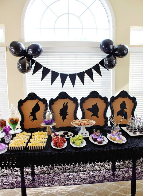 Disney Villains Party + Free Descendants Printables ! Love my silhouette!