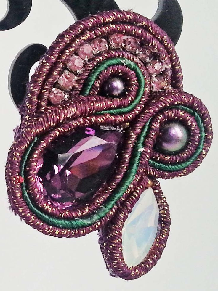 Orecchini soutache S59 con goccia in vetro, navette e perle Swarovski, catena strass