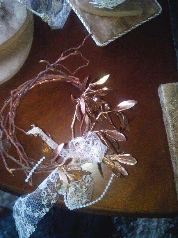 Ξυλινο στεφακι με κλαδι ελιας