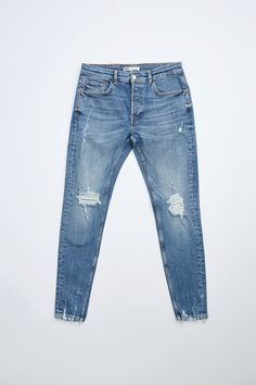 Blue Jeans Outfit Men, Blue Jean Outfits, Balmain Jeans Men, Zara Man Jeans, Dressy Casual Outfits, Denim Shirt Men, Ripped Skinny Jeans, Mens Clothing Styles, Jeans Style