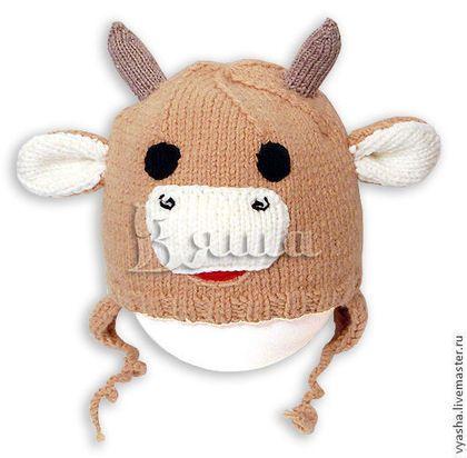 Купить или заказать Шапочка вязаная Бычок для мальчика, зимняя, детская, теплая в интернет-магазине на Ярмарке Мастеров. Весёлая вязаная детская шапочка с ушками, завязками и упругими стоячими рожками (можно даже пободаться). Хороший вариант вязаной шапки для озорного мальчишки! Основа может быть любого цвета! Лучший подарок ребёнку! Стоимость на осень-весну из полушерстяной пряжи: На размер 45-52: 1200 руб., 53-55: 1400 руб. На зиму: На размер 45-52: 1400 руб, 53-55: 1600 руб.