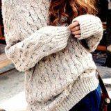 シンプルで色々合わせやすいのに、冬らしい可愛さ満点のケーブル編みのニットは、定番アイテム。だけど今年はいつも以上に大注目を浴びています。ケーブルニットを可愛く着こなして、冬のおしゃれ♡モテ♡女子目指しちゃいましょ!
