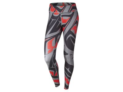 Don't need them, but MUST have them!!! Storlek L. NIKE, Inc. - Nike Celebrates Seven Years of N7 with Holiday 2014 Collection Nike N7 Printed Women's Training Leggings