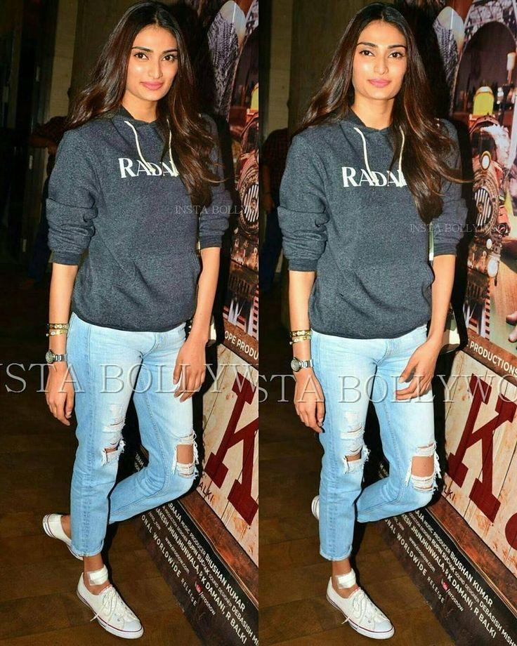 Rate her look  1....   #Athiyashetty looking cool in casuals at the special  screening of #ArjunKapoor Movie #KiandKa @Bollywood  . . #instabollywood #bollywood #india #indian #desi #bollywoodactress #mumbai #bollywoodfashion #bollywoodstyle #bollywoodmovie #indianfashion #kareenakapoorkhan #kareenakapoor #arjunkapoor #kiandka #karishmakapoor #bollywoodstylefile #bollywood #stylefile #india #indian #indianfashion #indianstyle #bollywoodstyle #delhi #mumbai  @BOLLYWOOD  . For more follow…