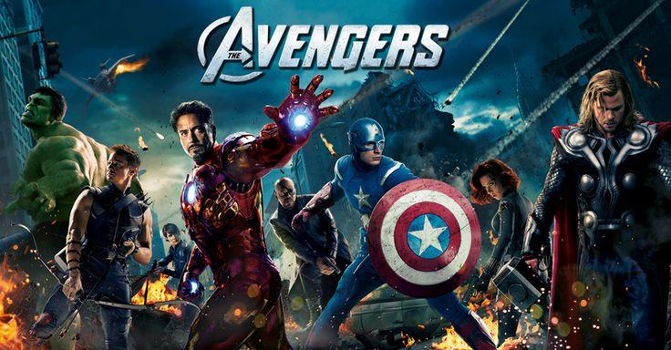 Os Vingadores -  Loki retorna à Terra enviado pelos chitauri, uma raça alienígena que pretende dominar os humanos. Com a promessa de que será o soberano do planeta, ele rouba o cubo mágico dentro de instalações da S.H.I.E.L.D. e, com isso, adquire grandes poderes. No intuito de contê-los, Nick Fury (Samuel L. Jackson) convoca um grupo de pessoas com grandes habilidades, mas que jamais haviam trabalhado juntos: Homem de Ferro, Capitão América, Thor,Hulk e Viúva Negra. (Filme de 2012)