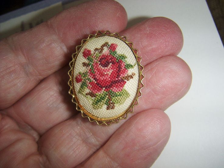 Lovely Vintage Needlepoint Petit Point Pink Rose Brooch Pin #Unbranded