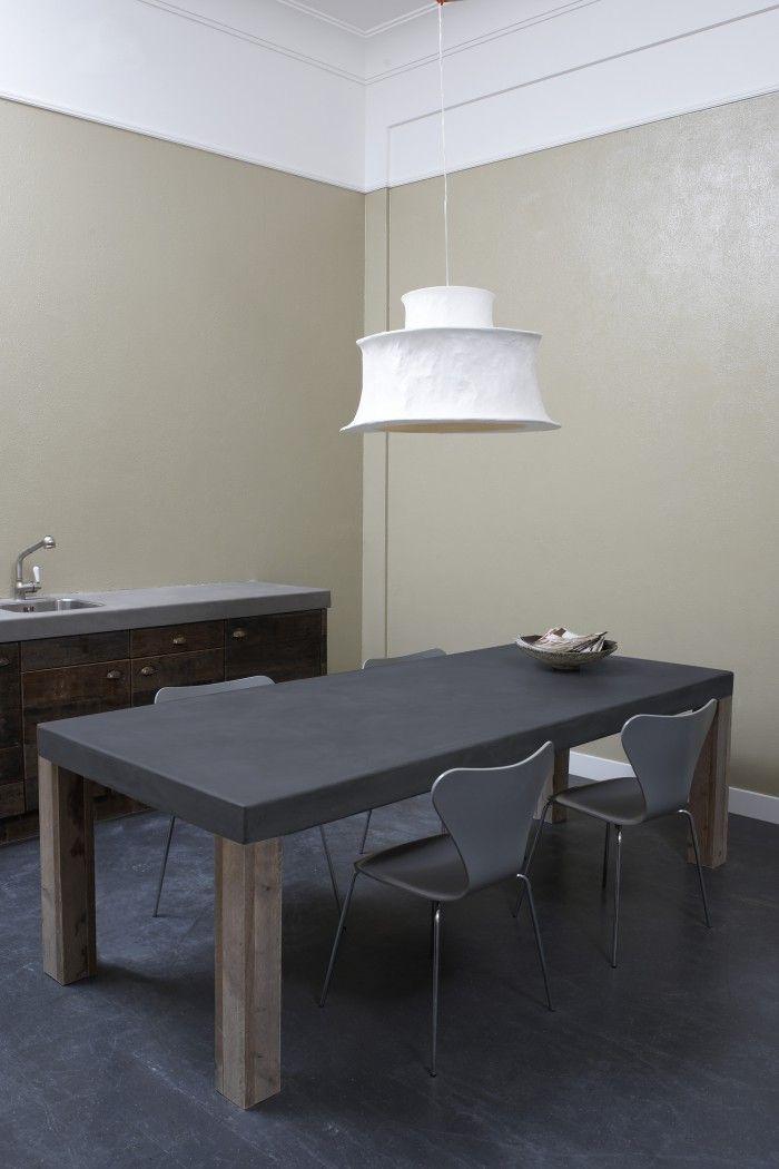 Betonlook tafel, antraciet - beton cire. Betonlook tafel, afgewerkt met beton ciré www.betonlookdesign.nl