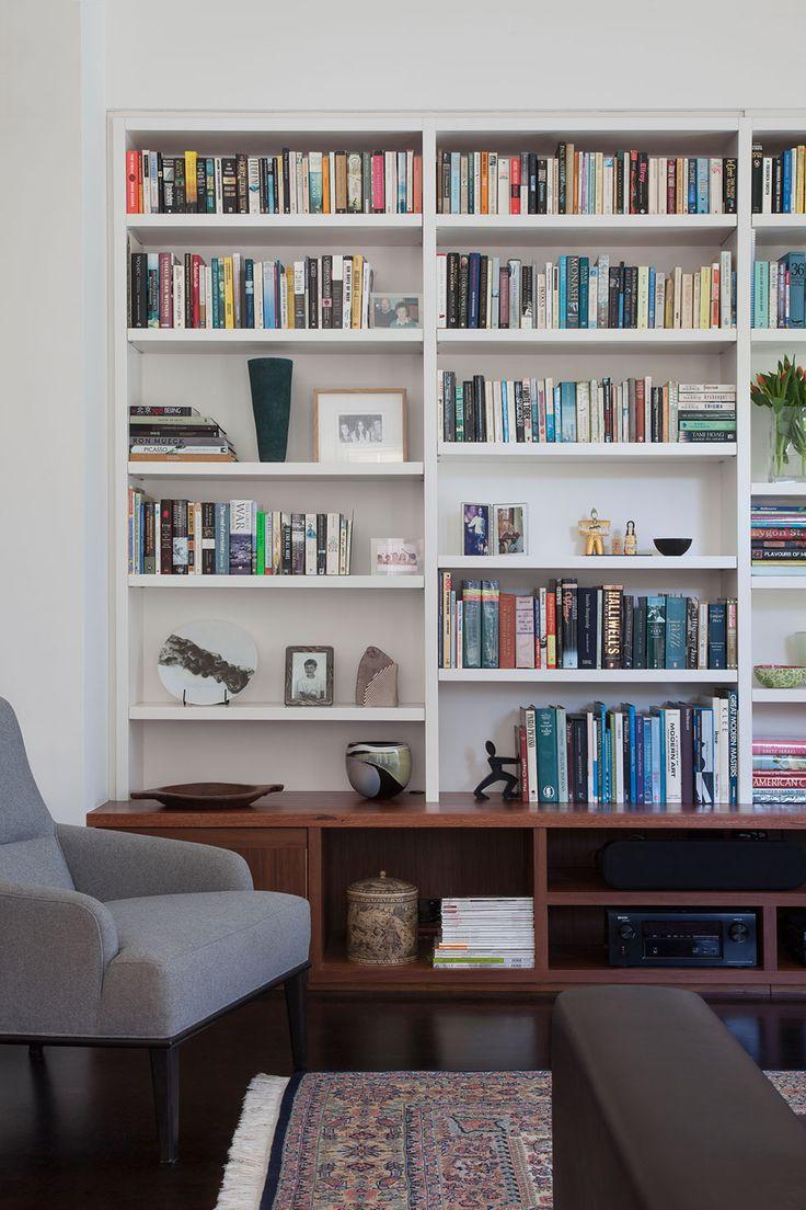 Lounge room joinery in solid grey ironbark timber | Glenderg Grove by Mihaly Slocombe (2015) | Malvern, Victoria, Australia | photo: Tatjana Plitt