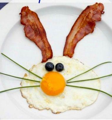 Easter bunny breakfast idea (bacon & fried egg) // Aranyos nyuszis reggeli ötlet tükörtojással és baconnel // Mindy - craft tutorial collection // #crafts #DIY #craftTutorial #tutorial #DIYPartySnacks #DIYEdibleGifts