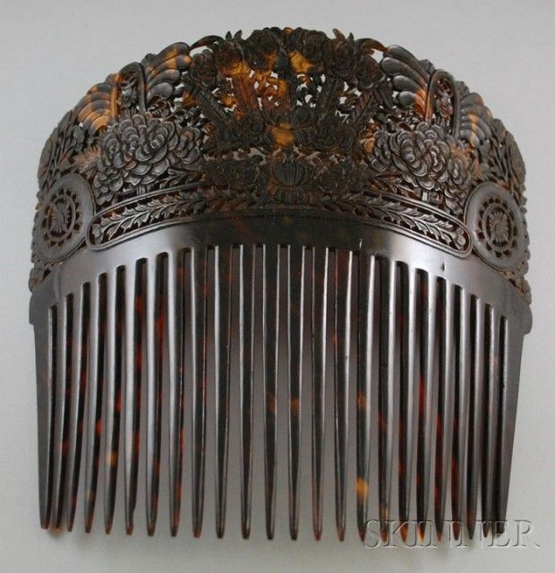 Large Victorian Tortoiseshell Hair Comb | Sale Number 2516M, Lot Number 256A | Skinner Auctioneers