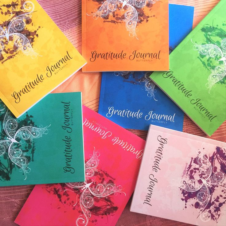 Simple and elegant gratitude journals to practise daily gratitude and improve the joy and happiness in your life. Available in 7 vibrant colours. #gratitudejournalbutterfly
