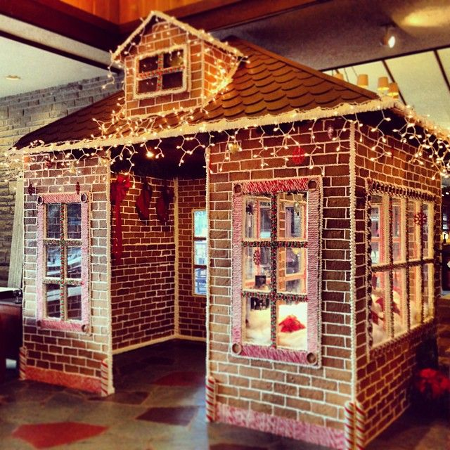 """@Jasper Manchipp Park Lodge's photo: """"Our #gingerbread house is up and ready! Smells good enough to eat! (Though we wouldn't recommend it) #JasperCIN"""""""