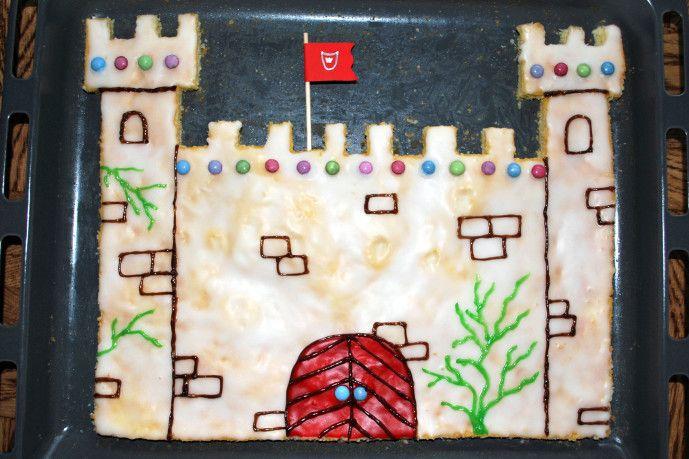Ritterburg-Kuchen - Kinderspiele-Welt.de