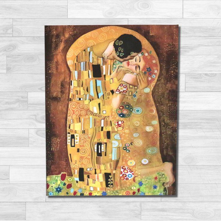 Quadro Klimt, Il Bacio - Stampa su Tela - Quadro Canvas 65x50x2cm • 90€ Colori vivaci per ravvivare le pareti anonime. Ottimo in abbinamento ad interni retrò ma facile da abbinare anche in design moderni. Indispensabile per gli amanti dell'arte.
