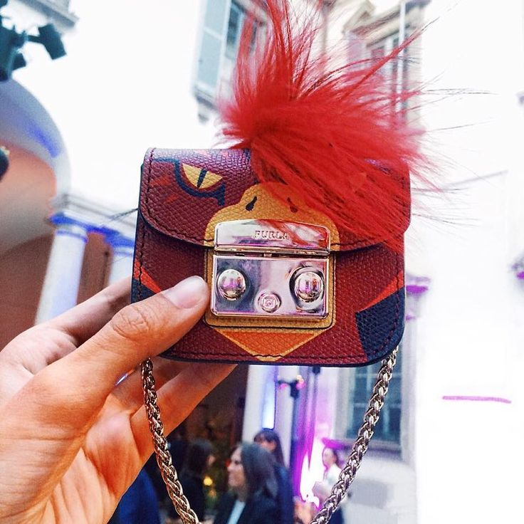"""Mi piace"": 5,385, commenti: 62 - FURLA (@furla) su Instagram: ""Live wild in the middle of the city: it's the new Furla SS17 collection, presented yesterday at…"""