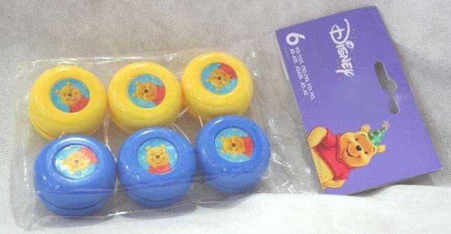 Yo-Yo deco Winnie the Pooh. 6 giochi per bambini in due colori, azzurro e giallo. Jo-Jo Gadget per festa a tema o regalino fine festa. Diam.4 cm. Disponibili da C&C Creations Store