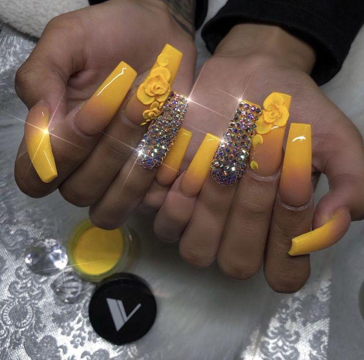 Pin by Zsófia Horváth on nails | Glitter gel nails, Shiny