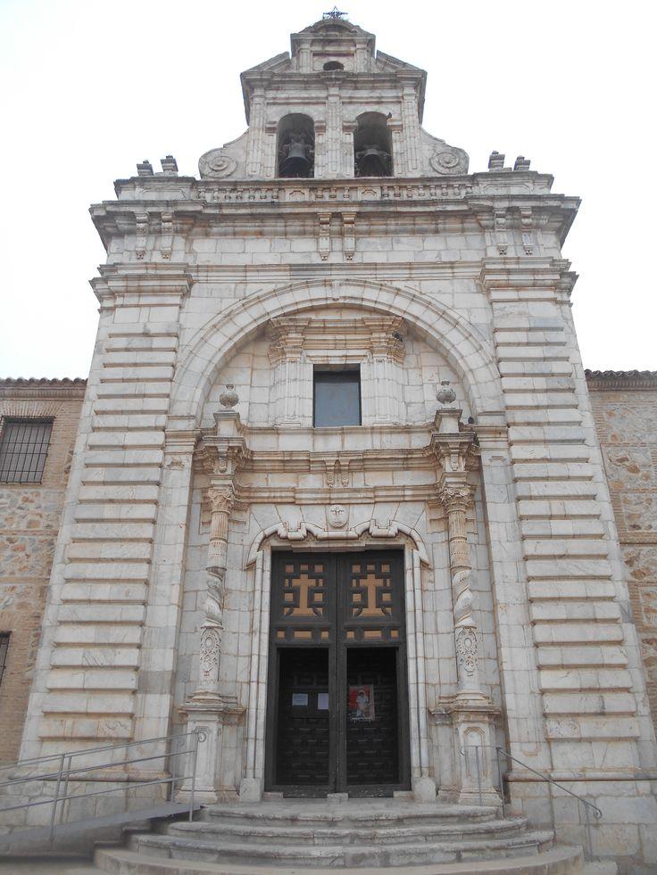 Frente. Iglesia de la Vera Cruz.