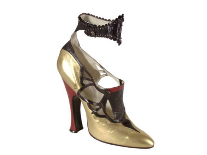 French Shoes - 1925-1930 - by Hellstern and Sons - Goatskin and kidskin leather, ankle strap decorated with rhinestones, leather soles,  high Louis XV heels