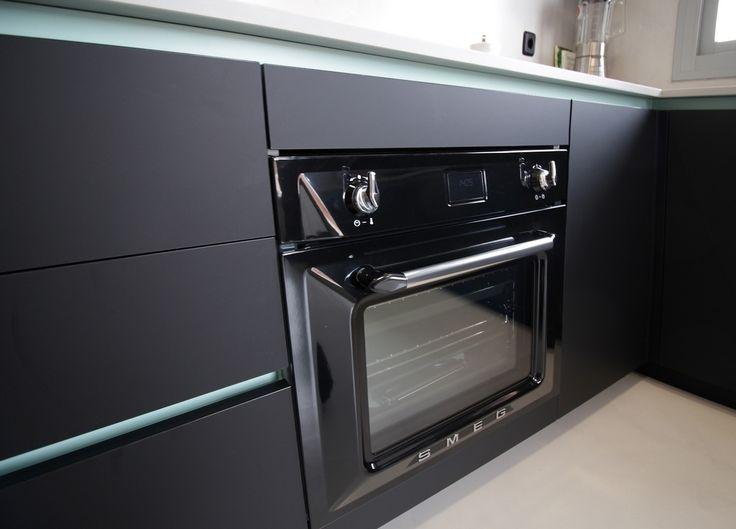 Electrodomésticos Negros en la Cocina #electrodomesticosnegros #diseñodecocinasenmadrid #linea3cocinas