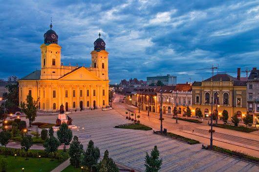 A Nagytemplom Debrecen legjellegzetesebb épülete, 1500 m²-es alapterületével az ország legnagyobb református temploma, ezenkívül a legnagyobb protestáns... - T. Zsuzsa - Google+