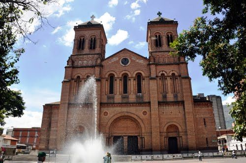 Catedral Metropolitana de Medellín by Silvano Pabón Villamizar