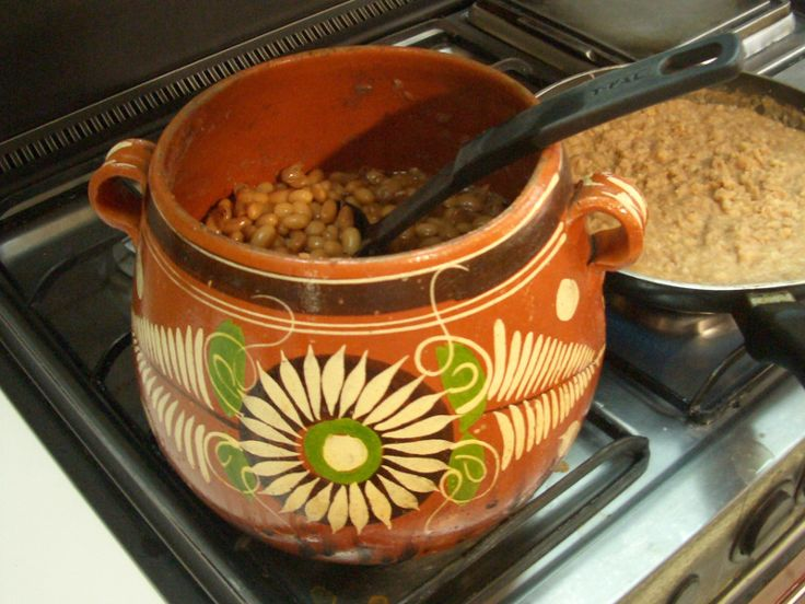 Frijoles de la olla, or beans in a pot, are good in burritos and tacos, on tostadas or on their own as a side dish. These slow-cooked, creamy beans are traditionally made in a bean pot, or olla. 4 to 6 servings