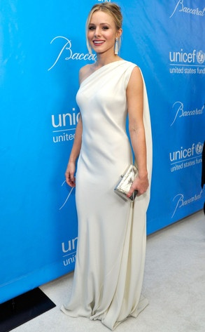 Kristen Bell channeled her inner Grecian goddess at the UNICEF Ball in L.A. Her white, one-shoulder, draped dress was by Christian Dior. She paired the gown withChristian Belle, Drapes Dresses, Belle Channel, Christian Dior, Hautecouture, Formal Gowns