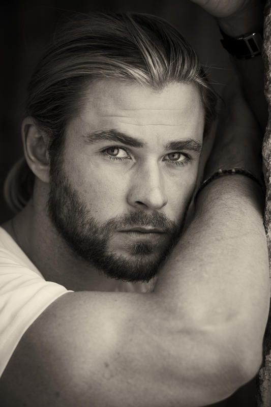 "Australian actor and ""Thor"" star, Chris Hemsworth's outtakes ..."