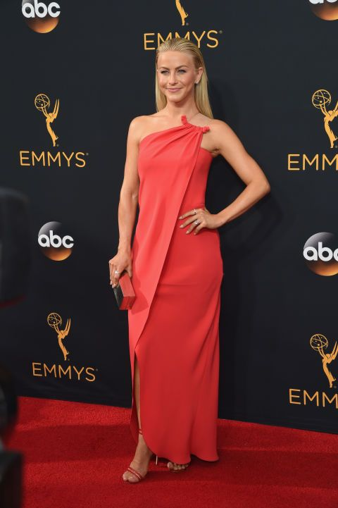 How much were her shoes? Julianne Hough looks amazing in coral with Aldo shoes and Simon G jewelry -- see some of the best styles from the Emmys red carpet!