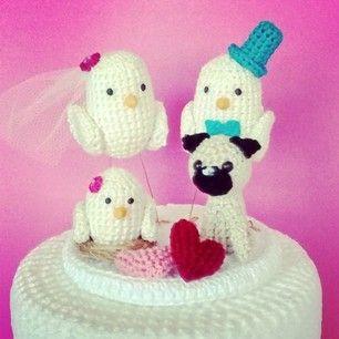 O topo de bolo mais fofo que eu já fiz. #toppercake #casamento #casamentodecroche #croche #crochet #wedding