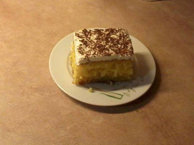 Από τη κ. Σταυρούλα Δροσάτου - Αλιβέρι Εύβοιας      Φτιαγμένο για μια όμορφη επέτειο  με προσθήκη σπιτικής κρέμας σαντιγύ !!!     ΥΛΙΚΑ  ...