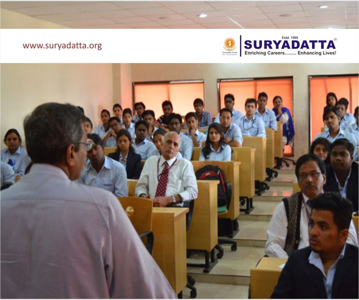 Prof. Ketan Gandhi, Sr. Principal Consultant & Head of Kg Guruji Academy interacting with the participants.