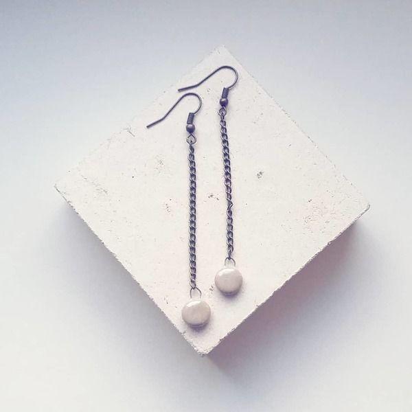 Μακριά σκουλαρίκια με αλυσίδα και κεραμική χάντρα