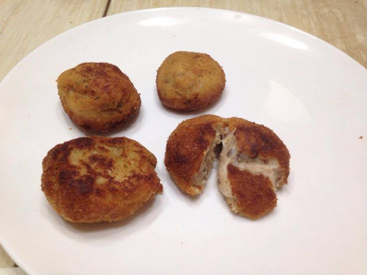 Croquetas de cecina y jamón https://mycook.es/receta/croquetas-de-cecina-y-jamon
