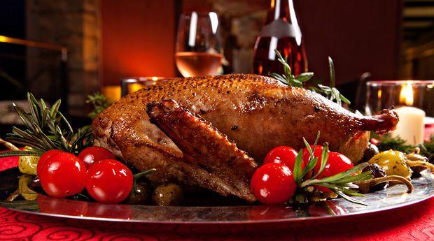 День благодарения без стресса: 7 хитростей - Один из самых торжественных ужинов в году — на День благодарения — не обернется для вас сущим кошмаром, если вы заранее подготовитесь к непредвиденным ситуациям и избежите распространенные ошибки.  Проблема: Как купи�