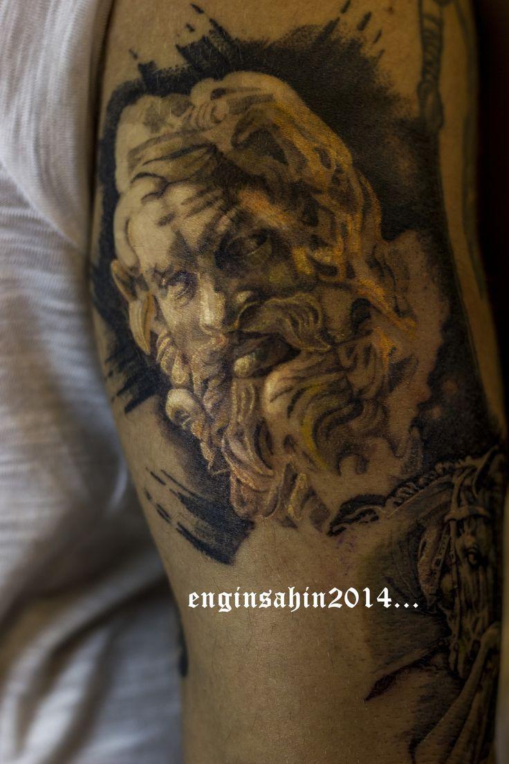 engin şahin - zeus - tattoo - dövme - realistic tattoo - sculpture tattoo - heykel dövmesi - kol dövmesi - taksim dövme - dövme sanatçısı- artist -