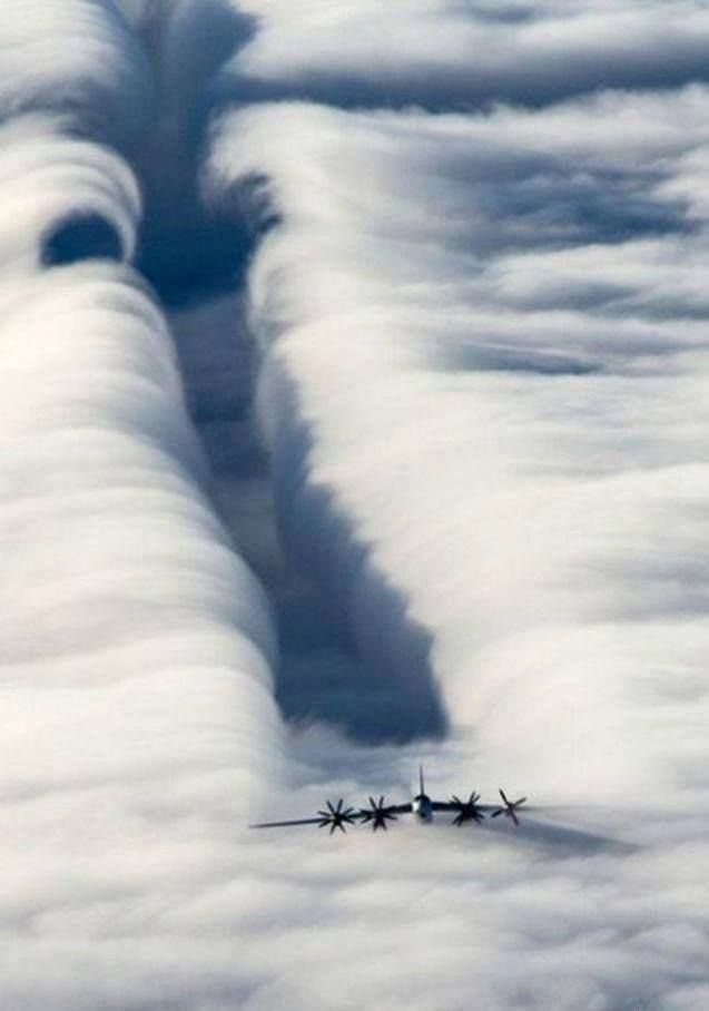 Nice aerodynamics lesson - don't fly behind big airplanes.