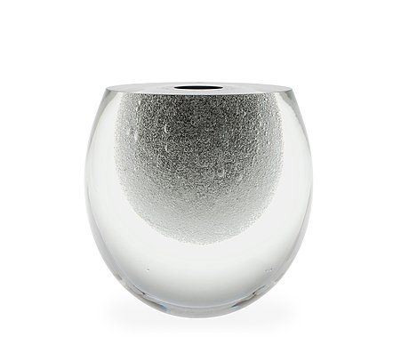 TIMO SARPANEVA, A GLASS SCULPTURE, 0740, 3660 Claritas Claritas. Signed Timo Sarpaneva, 25/1989. Clear, inside black cased glass, hand-shaped, cut and polished. Height 18,5 cm.