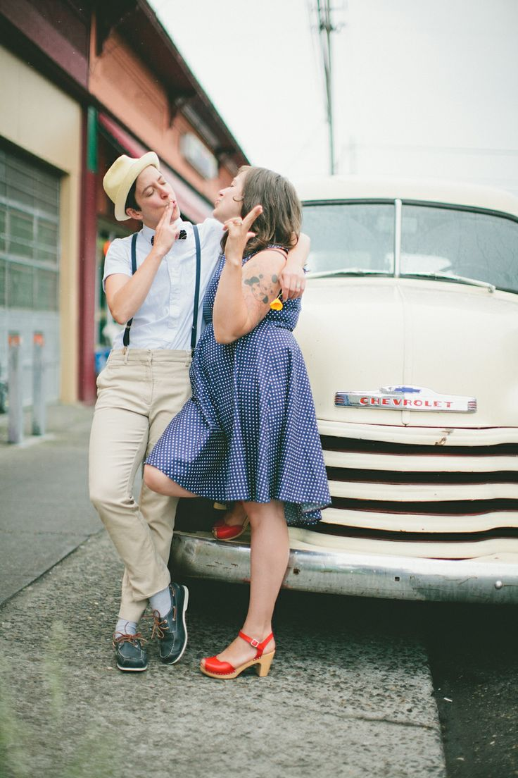 Emma & Dana // Portland Engagement Session // Alberta // Barista // Portland Wedding Photography // Weeno Photography