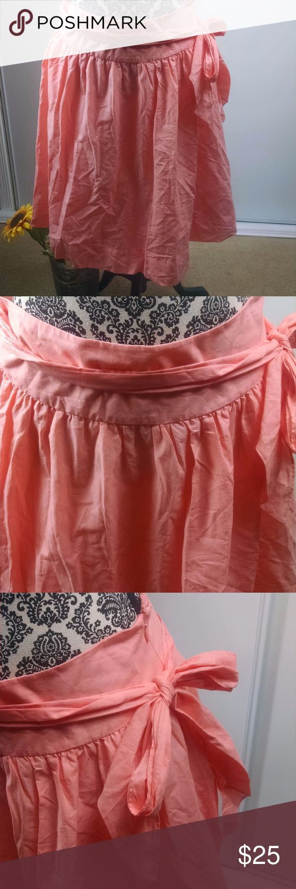 "Garnet Hill womens size 8 flare layered skirt Garnet Hill womens size 8 skirt flare layered side zip tie 100% cotton peach - gently used condition with no flaws and from a smoke free home.    Measurements are 15.5"" waist laying flat and 22.5"" long. Garnet Hill Skirts A-Line or Full"