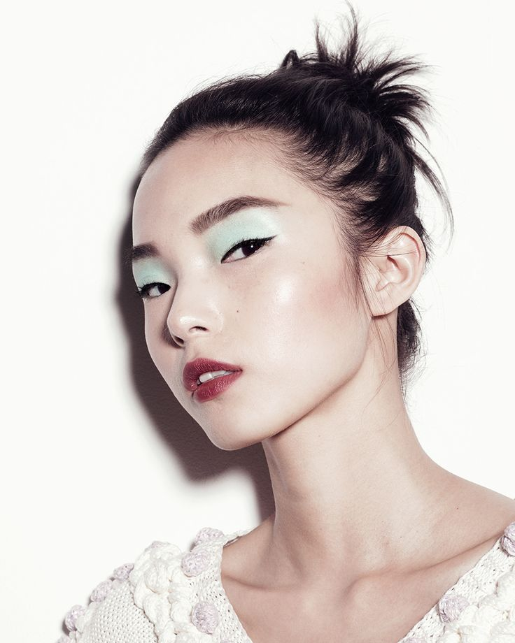 Each day this week, Gucci Westman shares a new fresh take on summer's best makeup ideas. Read how to get pastel eyes and stained lips on Vogue.com.