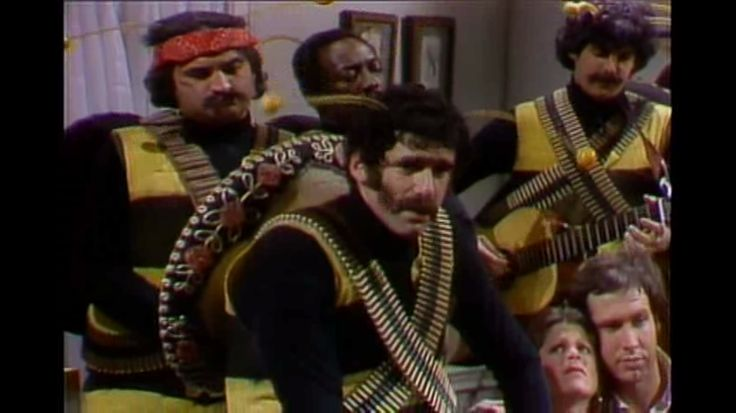 #SNL #Saturday #Night #Live  #S01 #E09 #Elliott #Gould #Anne #Murray (1-10-1976)  #the #killer #bees #sketch #Dan #Aykroyd #John #Belushi #Chevy #Chase #Jane #Curtin #Garrett #Morris #Laraine #Newman #Gilda #Radner #NBC