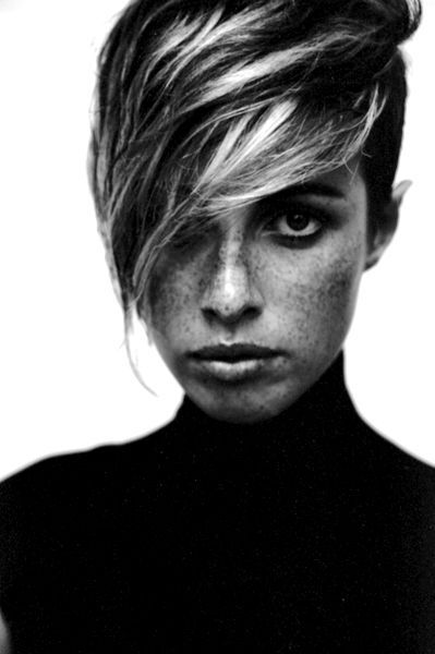 .Beautiful Inspiration, Black Wedding Hair/Makeup, Shorts Hair, Blackwhite Photos, Funky Hair, Beach Hair, Black Whit Photos, Hair Inspiration, Freckles Face